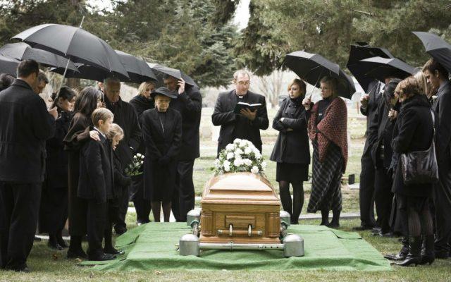 Видеть во сне похороны