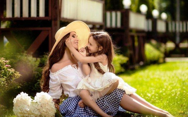 Видеть во сне дочь, взрослую видеть маленькой или выходящей замуж