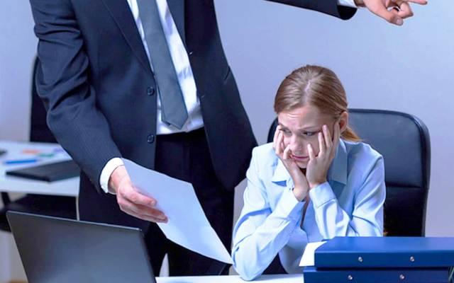 Сонник уволили с работы во сне или видеть бывшего коллгу по работе