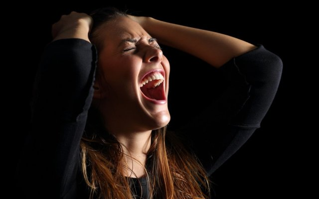Кричать во сне от страха или крик к чему снится по соннику