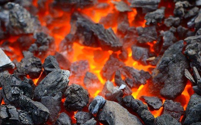 Видеть во сне черный уголь к чему снится трактовка по соннику