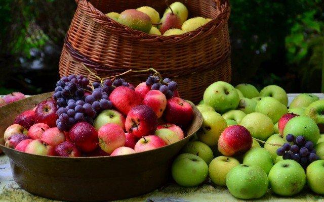Видеть во сне фрукты или сухофрукты, есть их значение для женщины